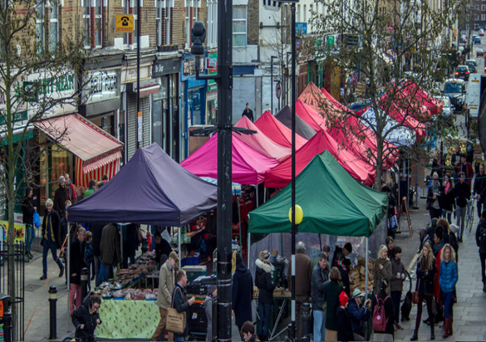Chatsworth Road Market street scene